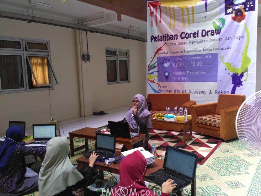 Pelatihan CorelDraw Ponpes Putri Universitas Islam Indonesia