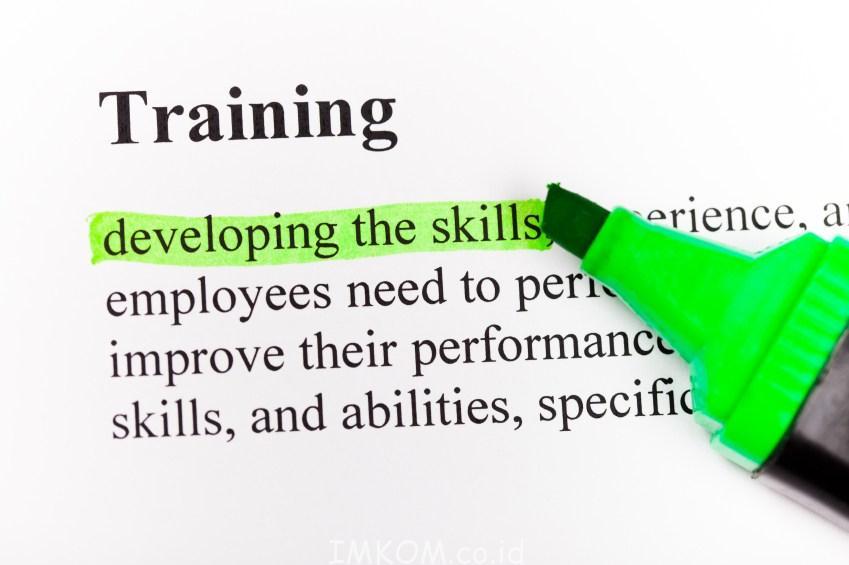 Training Internet Marketing dan Promosi Online untuk Dinas dan Perusahaan di Banjarmasin. Agar jelas langsung saja mendaftar dan juga bertanya imkom.co.id